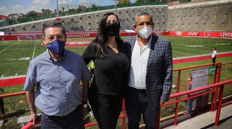 Apoya Patricia Durán al equipo de Soccer Industriales de Naucalpan