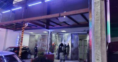 Localiza FGJEM a 11 posibles víctimas de trata de personas durante cateo en un bar en Toluca