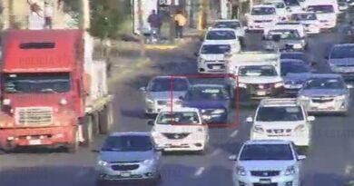 Policías de la Secretaria de Seguridad localizan un vehículo con reporte de robo y detienen a probable responsable