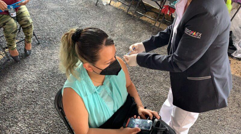 Autoridades estatales anuncian vacunación contra COVID-19 a personas de 40 a 49 años de edad, en los municipios de Nezahualcóyotl y Ecatepec